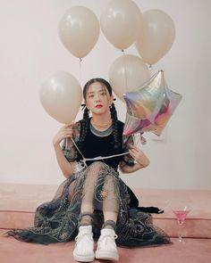 Kim Jennie, South Korean Girls, Korean Girl Groups, Black Pink ジス, Blue Yellow, Miss Korea, Blackpink Members, Blackpink Photos, Pictures