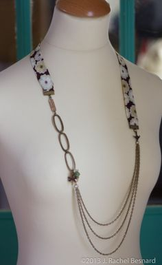 Liberty of London Mix brun et Floral collier en par JRachelBesnard