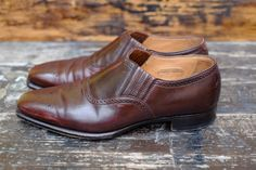http://chicerman.com  dandyshoecare:  Is it possible to make somthing to save this Cordovan Alfred Sargent shoes?  Stay tuned to find out!  #menshoes