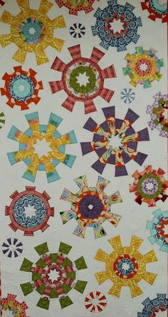 Blooming Cogwheels quilt by Janna Thomas.  2016 Road to California workshop.