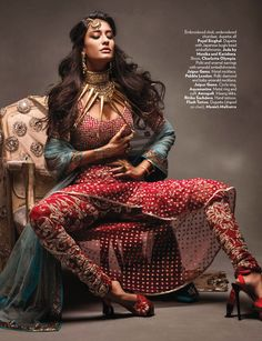 Lisa Haydon as a sexy modern Indian bride for Vogue India - Indian Wedding Site Home - Indian Wedding Site - Indian Wedding Vendors, Clothes, Invitations, and Pictures. Foto Fashion, India Fashion, Asian Fashion, Indian Dresses, Indian Outfits, Lisa Haydon, Indie Mode, Indian Photoshoot, Vogue India