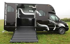 A Horse van - finally in the US. I WANT IT!