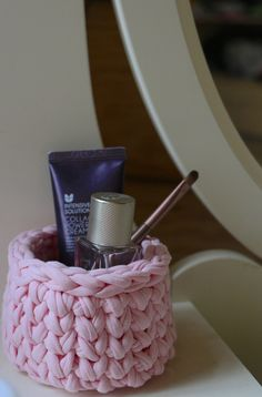 Pink basket for cosmetic