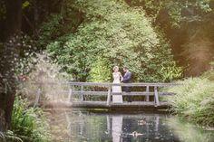 DIY Hochzeit mit freier Trauung im Wasserschlössl bei Altötting in Bayern. Paarshooting <3
