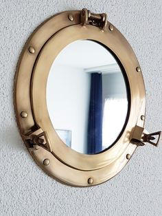 Bullaugen-Spiegel aus Messing