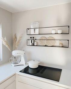 Kitchen Room Design, Home Decor Kitchen, Kitchen Interior, Home Kitchens, Home Design Decor, Küchen Design, Home Interior Design, House Design, Aesthetic Room Decor