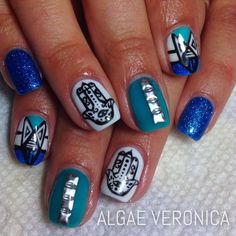 Beautiful hamsa nails by Algae Veronica.
