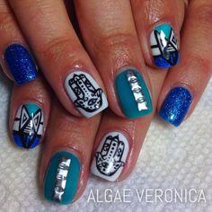 Beautiful hamsa nails by Algae Veronica.