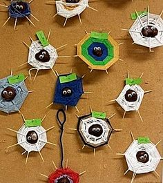 Maak een spinnenweb van kastanjes met wol! Leuke knutselopdracht voor meisjes én jongens - ook ideaal voor een verjaardagsfeestje. Beetje hulp van papa & mama ;-)