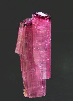 "Tourmaline (Group): Sosedka pegmatite, Malkhan, Krasnyi Chikoy, Chitinskaya Oblast', Transbaikalia  Russia (07-08/2006)  Specimen size: 4.2 × 1.7 × 1.2 cm = 1.7"" × 0.7"" × 0.5"""