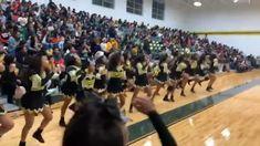 Cheers STOMPS & CHANTS 🤸🏻♀️ Cheer Dance Routines, Cheer Moves, Cheer Workouts, Cheer Stunts, Dance Choreography Videos, Dance Videos, Cheerleading Chants, Black Cheerleaders, Cheer Outfits