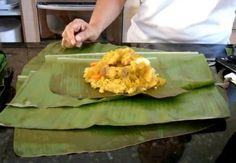 Tamales colombianos son una maravilla la comida de los dioses terrenales Yum !!!!! Old Recipes, Cooking Recipes, Colombian Breakfast, Colombian Food, Colombian Recipes, Comida Latina, Latin Food, Spanish Food, Good Food