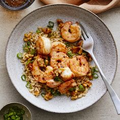 Honey Walnut Shrimp - We gave a healthy spin to this popular takeout favorite. Walnuts are given a brown sugar coating th - Shrimp Recipes, Fish Recipes, Creamy Lemon Chicken, Honey Walnut Shrimp, Honey Shrimp, Healthy Eating, Clean Eating, Eating Well, Cooking Recipes