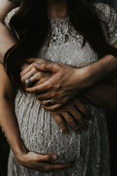 I love the texture of the dress, and the deep colour and light. Shot by -Mel MacManiman - Tribe Archipelago LXC 03 Maternity Photography Poses, Maternity Poses, Maternity Portraits, Maternity Pictures, Pregnancy Photos, Family Photography, Romantic Maternity Photos, Maternity Photographer, Foto Baby