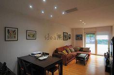 Piso en la Sagrera #Barcelona   Se vende un piso de 99m2, 4 habitaciones, salón comedor de 24m2, cocina independiente, balcón y 2 baños.     Appartement à vendre à la Sagrera de 99m2, 4 chambres, salon de 24m2, cuisine indépendante, balcon et 2 salles de bain.     🔑 Eurofincas - (34) 93 476 49 69 | Roger de Lluria, 116 08037 – Barcelona   🔑 Eurofincas St. Cugat – (34) 93 675 08 04 c. Sant Antoni, 52    http://qoo.ly/g3kuk