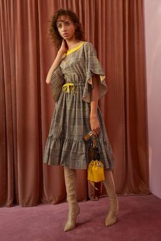 Fendi Resort 2018 Lookbook, Designer Collection, Runway, TheImpression.com - Fashion news, runway, street style, models, accessories