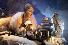 NYC: Bergdorf Goodman's 2008 Holiday window display - Chess vs. an owl | por wallyg