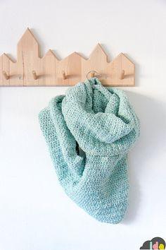 """H A B I T AN 2 Decoración handmade para hogar y eventos www.habitan2.com  Crochet scarf + shawl """"Luna"""" --> English PDF pattern by IDA interior lifestyle"""