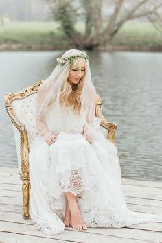 Fresh Beautiful Wedding Inspiration | Rebecca Goddard Photography | Katrina Otter Weddings | Bridal Musings Wedding Blog
