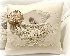 Read about shabby chic style Shabby Chic Pillows, Vintage Pillows, Shabby Chic Cottage, Estilo Shabby Chic, Shabby Chic Style, Shabby Chic Decor, Sewing Pillows, Linen Pillows, Decorative Pillows