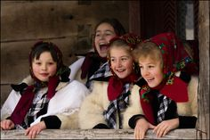 Maramures Christmas in Romanian happiness Folk Costume, Costumes, Republic Of Macedonia, Visit Romania, City People, Beautiful Places In The World, People Of The World, Folklore, Dress Up
