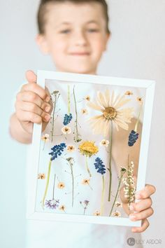 Here are some Mother's day craft ideas you will love! Give her preserved FLOWER ART instead of fresh flowers. This will last for years and will never have to go in the bin from wilting. THIS PRESSED FLOWER TRICK ONLY TAKES 3 MINUTES INSTEAD OF DRYING IN A BOOK FOR WEEKS.