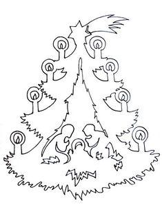 Трудно представить себе Новый год и Рождество без украшенной игрушками и шарами красавицы елки. В каждом доме на праздник наряжают живую или искусственную ель. А какую елочку можно сделать из бумаг…