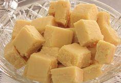 Doce de Leite de Corte, prepare esta deliciosa receita! INGREDIENTES 1 kg de açúcar 2 litros de leite MODO DE PREPARO Coloque o leite e o açúcar em uma