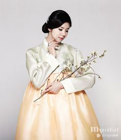 Hanbok, korean traditional clothes / My wedding / 꽃, 수줍게 봉오리 맺다 / 비단 빔