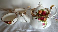 Vintage ROYAL ALBERT Old Country Roses Teapot by PrettyVintageHome