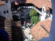Dracula's castle!(Bran-Romania) Dracula Castle, Romania, Mansions, House Styles, Home Decor, Mansion Houses, Room Decor, Villas, Luxury Houses