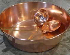 Quality Vintage French Copper and Tin LIned Chauffe Aliments, Food Warmer, Chafing Dish, Solid Copper Dish with Burner, Heavy Duty Hotel Quality Set of all copper kitchen Food Server/warmer totally fit for purpose, robust, heavy (wont fall over) and well made. They have a super patina and an exquisite balance. There are some signs of wear and cleaning but it is in very good antique condition and fully working. It is made up of a lovely tinned copper pan, a burner, a lid, A stand for it all…