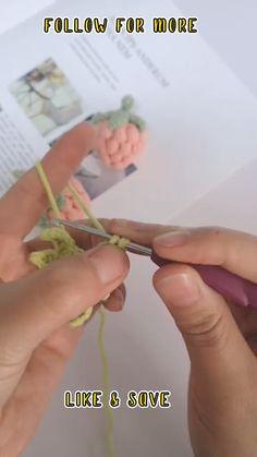 Crochet Doll Tutorial, Crochet Bag Tutorials, Beginner Crochet Tutorial, Crochet Videos, Crochet Basics, Crochet Butterfly Pattern, Crochet Lace Edging, Crochet Flowers, Easy Crochet