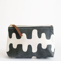 Echo Charcoal Pouch