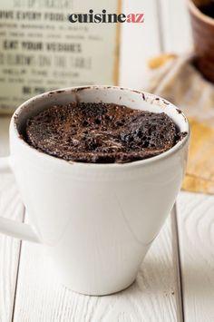 Les mug cakes sont des recette simples et rapides. Tout se prépare et se cuit dans un mug. Cette recette de mug cake au Nutella est parfaite pour se faire une idée de ce qu'est un mug cake. En plus, cela fera une pâtisserie en dessert ou au goûter.#recette #cuisine #mugcake #patisserie #chocolat #gateau Easy Chocolate Mug Cake, Cake Au Nutella, Chocolate Syrup Recipes, Paleo Chocolate, Paleo Mug Cake, Cake Mug, Low Carb Sweeteners, Cake Ingredients, Quick Easy Meals