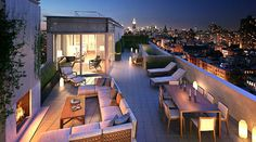 Head right to the top with this extraordinary New York penthouse. Extreme city views are guaranteed. Soaring above SoHo, this penthouse has four bedrooms New York Penthouse, Duplex New York, Manhattan Penthouse, Penthouse For Sale, Luxury Penthouse, Penthouse Apartment, Luxury Apartments, Luxury Homes, Manhattan Apartment
