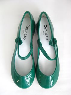 Repetto green flats