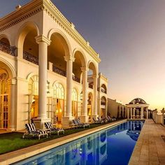 #LuxuryRealEstate of the Day in #CapeTown #SouthAfrica  34000 sq ft majestic #mansion designed for opulent living in Cape Town South Africa! The #palatial #property offers 8 bedrooms 13 bathrooms 14 car garage full gym and spa massage room squash court 18 seat movie theatre and swimming pool!  Listed at $35000000 by @sothebysrealty  At RealtorReviews.org you can search for realtors read reviews write reviews view realtor profiles and listings & contact realtors!  Leave Your Realtor Reviews…