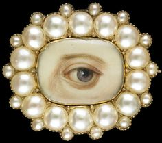 Gold oval brooch and pendant surrounded by 14 split pearls, ca. 1835-40. Collection of Dr. and Mrs. David Skier. #lookoflove #eyeminiatures #loverseye