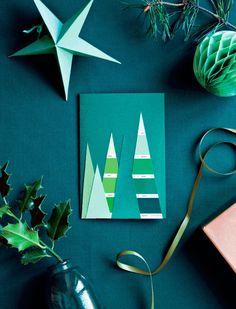 Send en julehilsen til dine kære på et fint hjemmelavet julekort. Find saks, papir og din indre skaberglæde frem. Her får du 5 gode idéer til et fint og personligt julekort