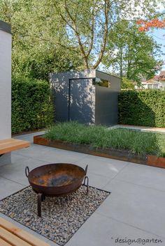 modern garden traumhafter Garten in Mnchen - Riemerling Garden Types, Diy Garden, Home And Garden, Ornamental Grasses, Types Of Plants, Small Gardens, Irrigation, Backyard Landscaping, Amazing Gardens
