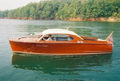 Chris Craft, Wooden Speed Boats, Classic Wooden Boats, Cabin Cruiser, Wooden Boat Plans, Old Boats, Motor Boats, Maserati, Jaguar