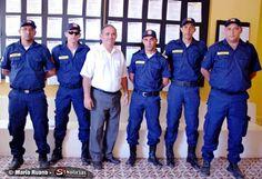 Na manhã desta quarta-feira, 27, o prefeito Sebastião Dias, de Tabira - PE, entregou a seis dos nove guardas do município as fardas que deverão ser usadas durante os trabalhos da equip