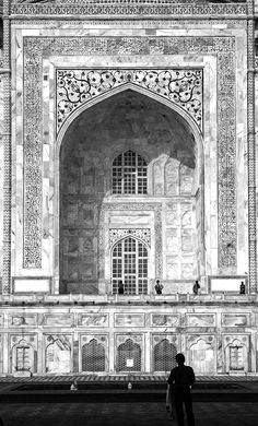 This is a portal of Taj Mahal, in Agra, India.