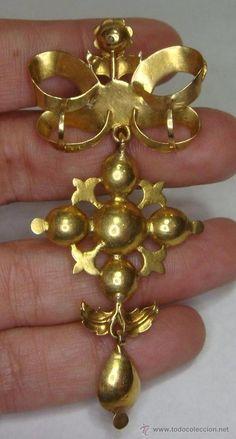 Antigüedades: Precioso Broche o Colgante antiguo. S.XVIII. Oro 18 k y Zafiros Blancos. - Foto 3 - 51179130