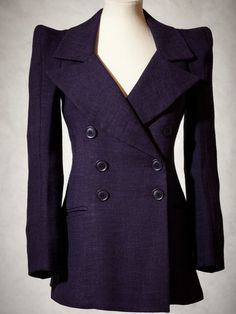 BIBA jacket with sharply defined shoulders from 1973.