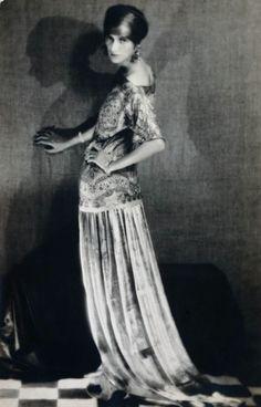 Peggy Guggenheim, 1924. Photo: Man Ray.