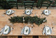 Wedding Style Shooting wedding table Wedding Planner: One Day Photographer: Hannah & René Table Wedding, Wedding Shoot, Wedding Styles, Wedding Planner, Table Settings, Table Decorations, Green, Vintage, Home Decor