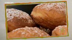 bambolone gemista me krema voutirou Crepes And Waffles, Pancakes, Croissants, Pretzel, Love Food, Donuts, Rolls, Bread, Baking