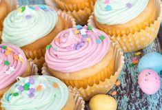 Cake Recipes, Dessert Recipes, Desserts, Greek Pastries, Cap Cake, Muffins, Food Categories, Party Cakes, Mini Cupcakes